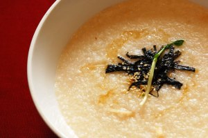 Korean_abalone_porridge-Jeonbokjuk-02