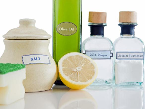 natural-cleaning-products-salt-vinegar