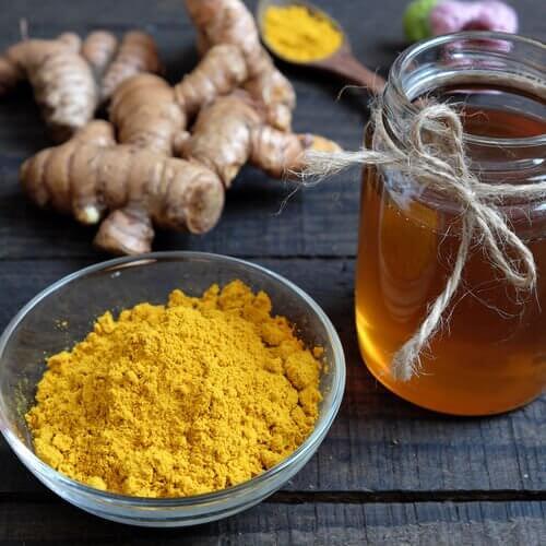 turmeric-remedy-with-honey